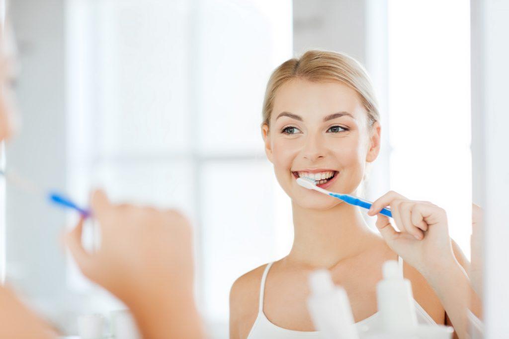 11 najczęściej popełnianych błędów przy myciu zębów