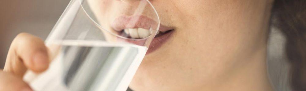suchosc w ustach